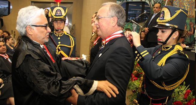 Presidente do TCE é homenageado com Colar do Mérito do TCEMG